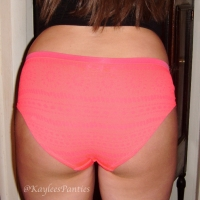 hot pink seamless boybrief & pics!